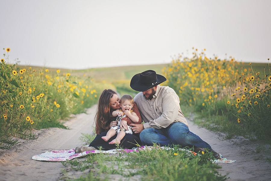 nebraska, photography, Cody, sandhills, sunflowers, session, cowboy, rancher, cattle, family, daughter